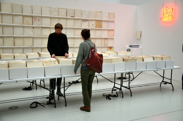 Rutherford Chang: We buy White Album, Foto: (c) H. Kistenmacher
