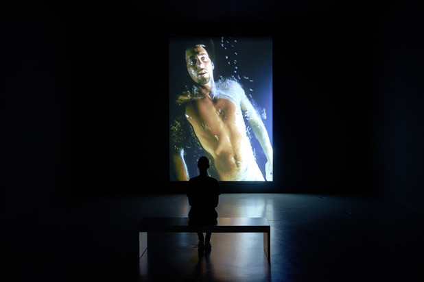 Bill Viola, Messenger, The Messenger, 1996, Foto: (c) Felix Krebs/Deichtorhallen Hamburg